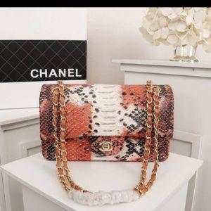 Chanel bag 10 x 6 x 3